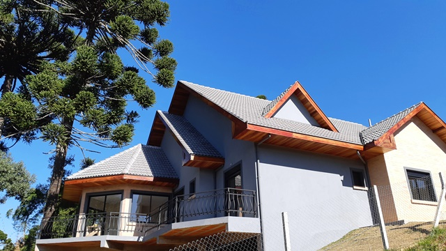 Oportunidade! Preço mais atraente para essa casa nova à venda em Campos do Jordão.