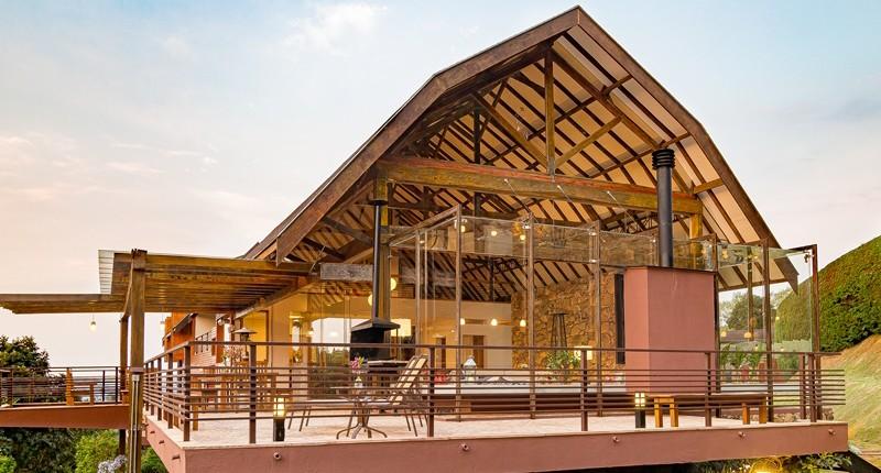 The Barn, um celeiro à venda em Campos do Jordão